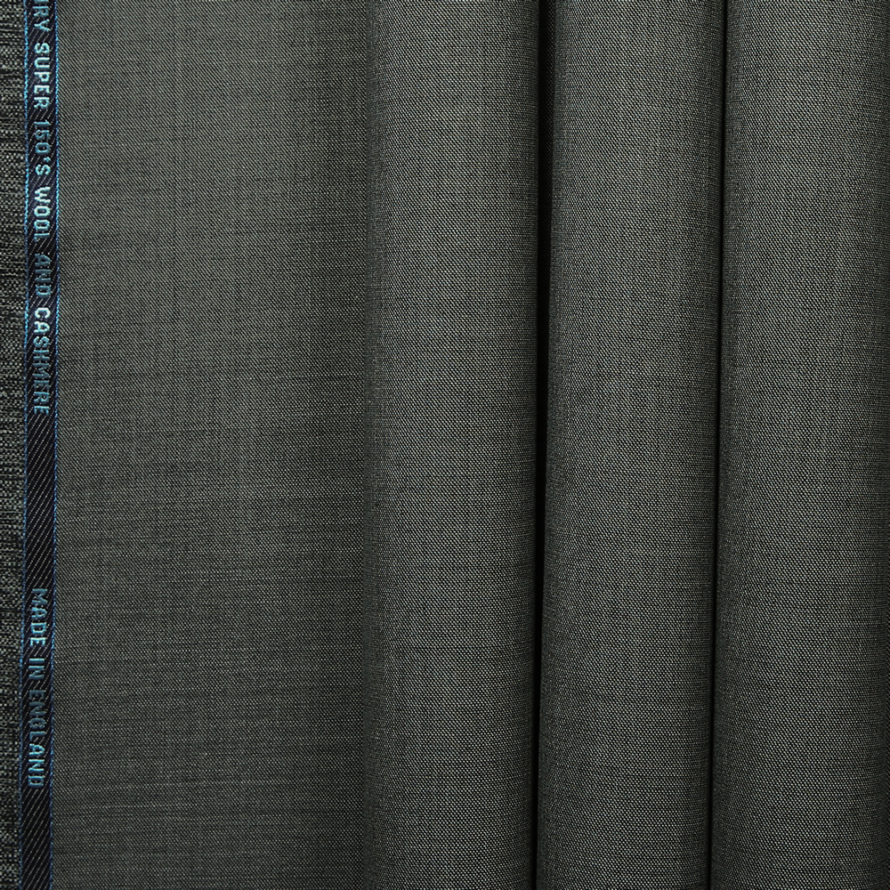 10040 Medium Grey Sharkskin
