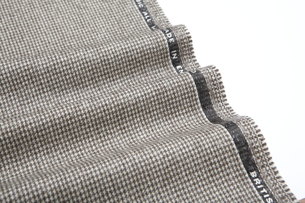 4040 Brown and White Houndstooth Flannel