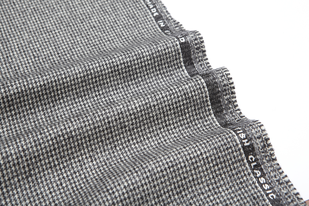 4041 Black and White Houndstooth Flannel